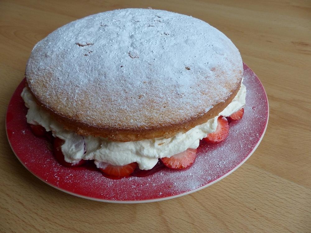 How Far In Advance Can I Make A Sponge Cake
