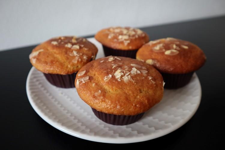 almond cherry muffins 1
