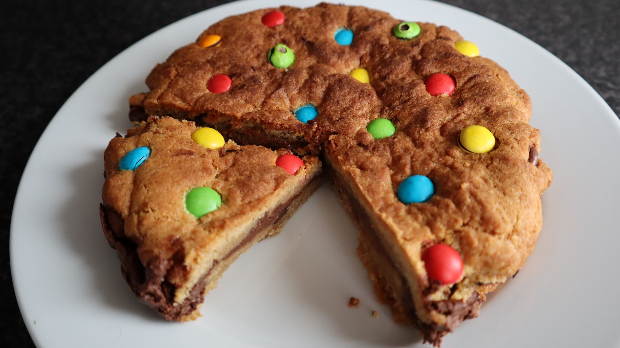 chocolate chip nutella cookie pie 1
